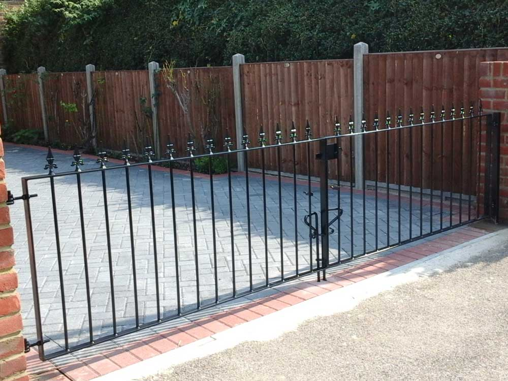 Iron Gates And Railings London Terra Firma Landscapes